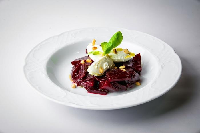 Салат свекла с кедровыми орехами