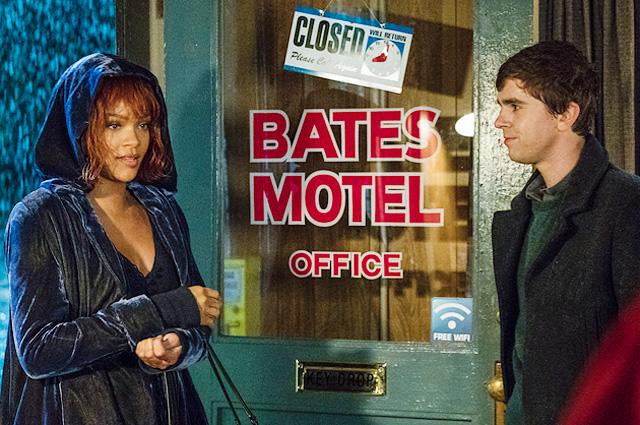 Рианна снимает номер в«Мотеле Бейтсов» в заключительном трейлере сериала