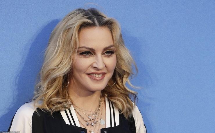 Мадонна подала заявку наусыновление двоих детей вМалави