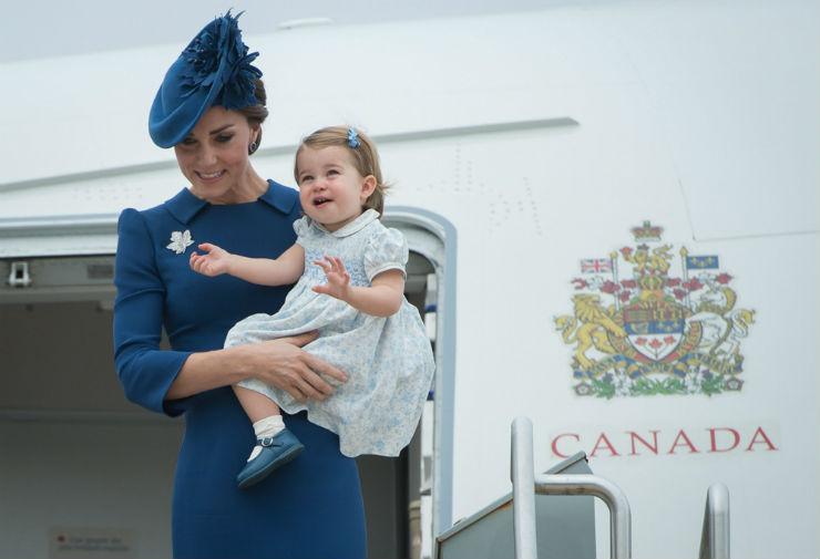 Премьер Канады напугал принца Джорджа рукопожатием