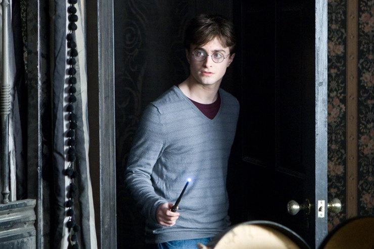 По книжкам Роулинг омире Гарри Поттера снимут 5 полнометражных фильмов