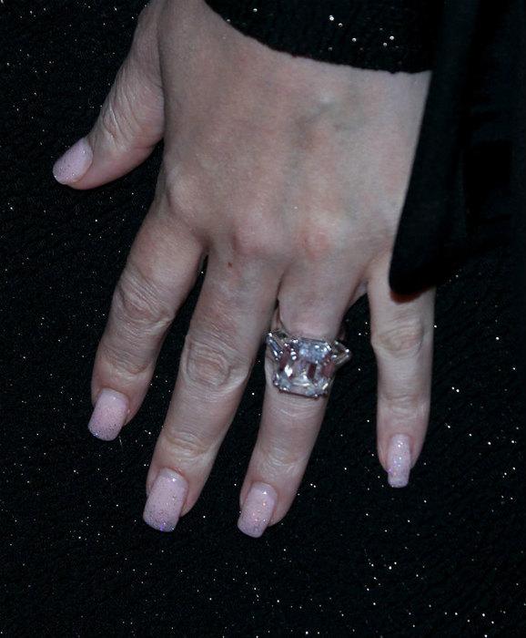 Свадьбы небудет: Мэрайю Кэри бросил еебойфренд-миллиардер