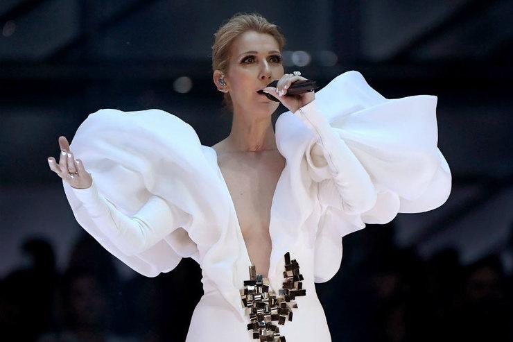 20 лет спустя Селин Дион вживую исполнила знаменитую песню изТитаника