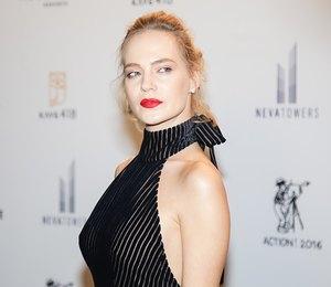 Глюк'oZa блеснула наММКФ-2017 вполупрозрачном платье сглубоким декольте
