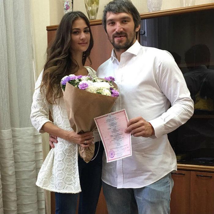Анастасия Шубская поздравила мужа Овечкина сднем рождения