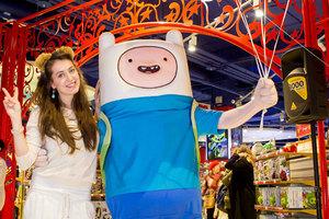 Анастасия Меськова и другие гости на открытии нового магазина игрушек Hamleys