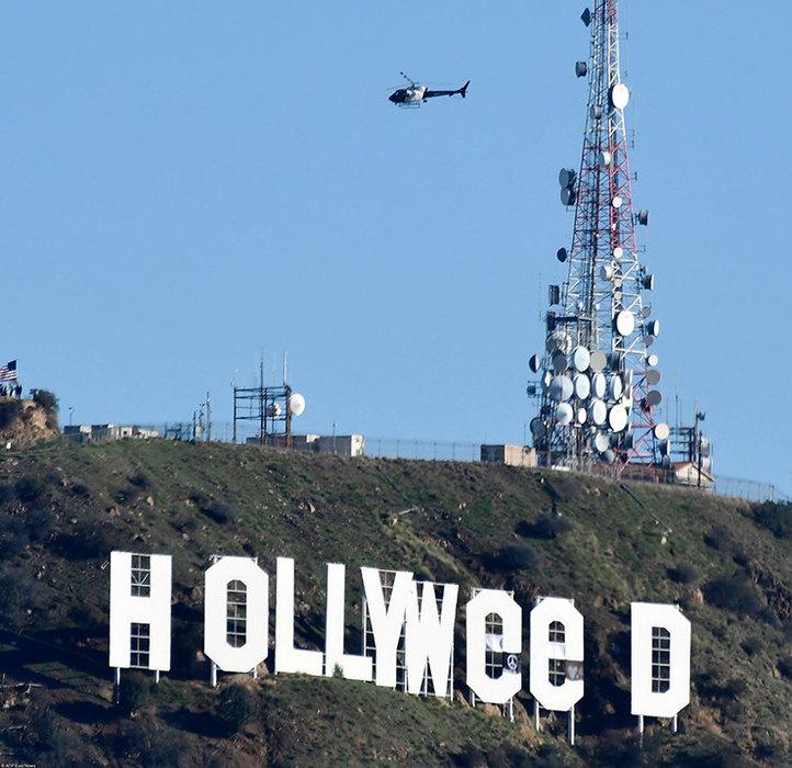 ВЛос-Анджелесе хулиган превратил знак Hollywood врекламу марихуаны