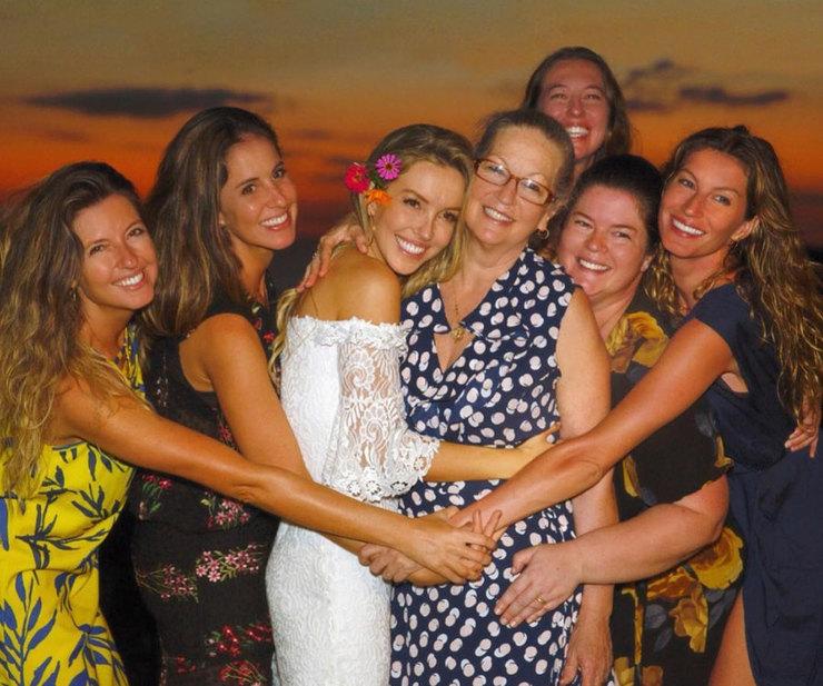 Жизель Бюндхен трогательно поздравила маму с днем рождения ... жизель бюндхен инстаграм