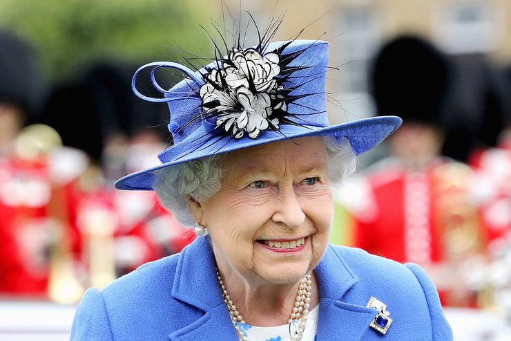 С сайта королевской семьи в экстренном порядке удалили новость о смерти Елизаветы II