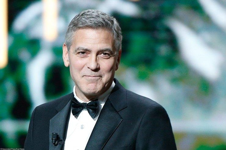 Джордж Клуни сделал неожиданный подарок 87-летней фанатке— Трогательный момент